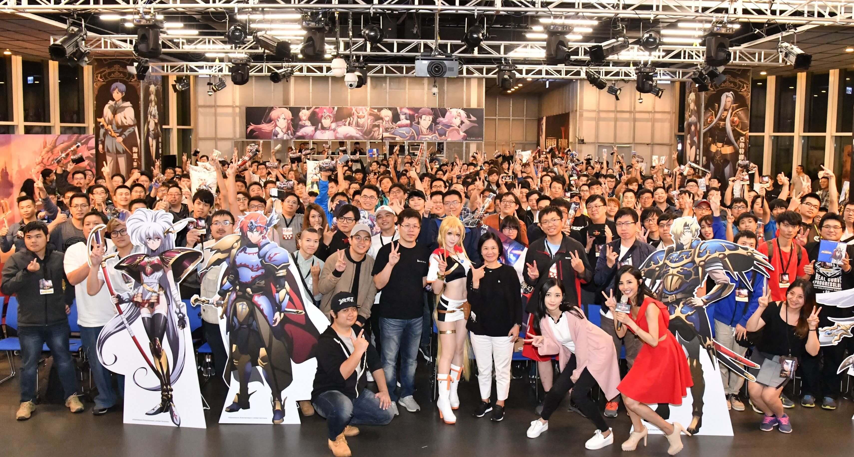 百萬會員人氣手遊《夢幻模擬戰》玩家見面會登場 虛寶週邊大放送 全新英雄「碧空雙子」即將降臨